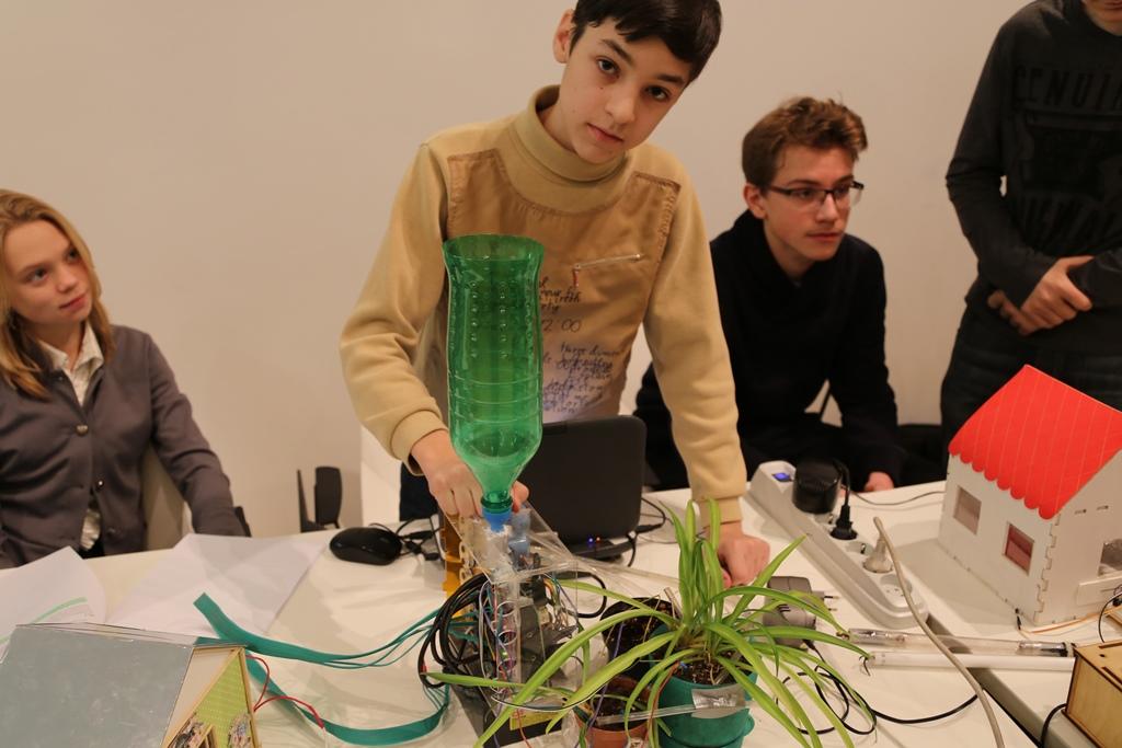 Юные техники из центра Робокурс принимают участие в конкурсе «Инженерный Старт»