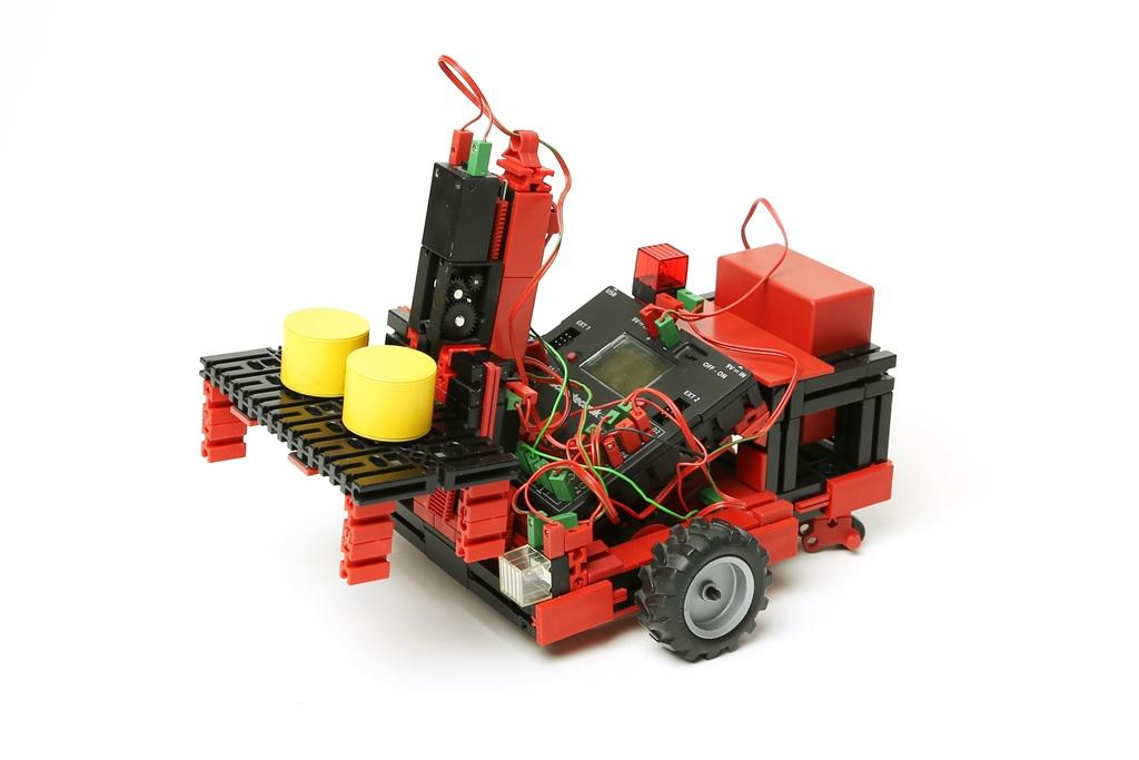 РОБОКУРС отправляется на соревнования транспортных роботов