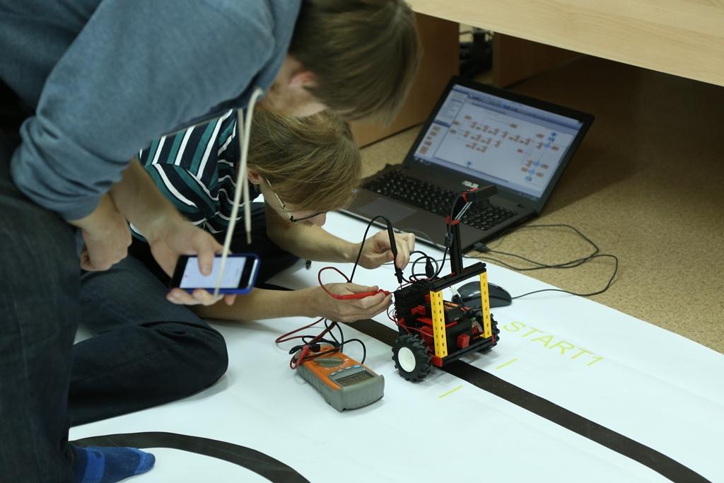 Контроль аккумуляторной батареи во время испытаний